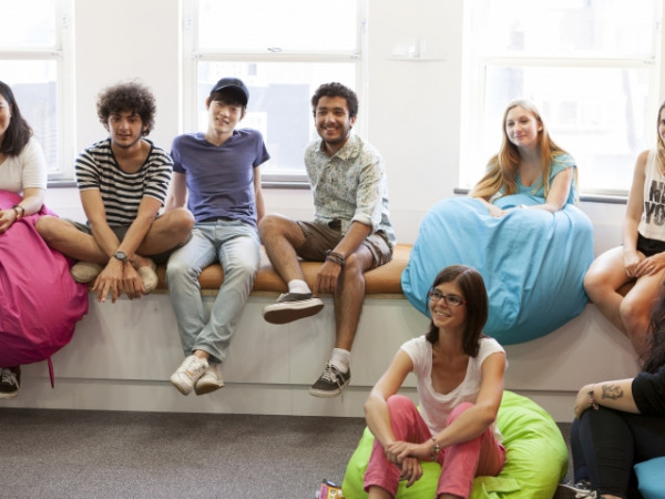 What do students like about studying in Brighton?