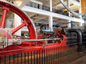 This huge mill wheel used to power a big factory in London!