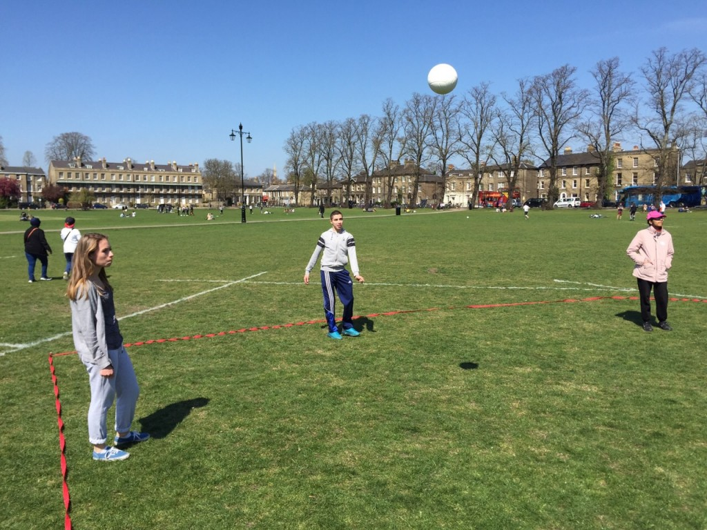 EC Students enjoy Voleyball in the Sun
