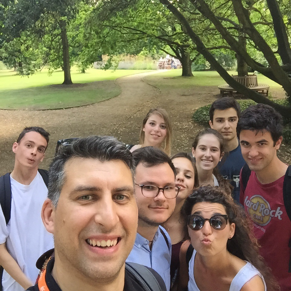 EC Cambridge Students Visit the Botanic Gardens