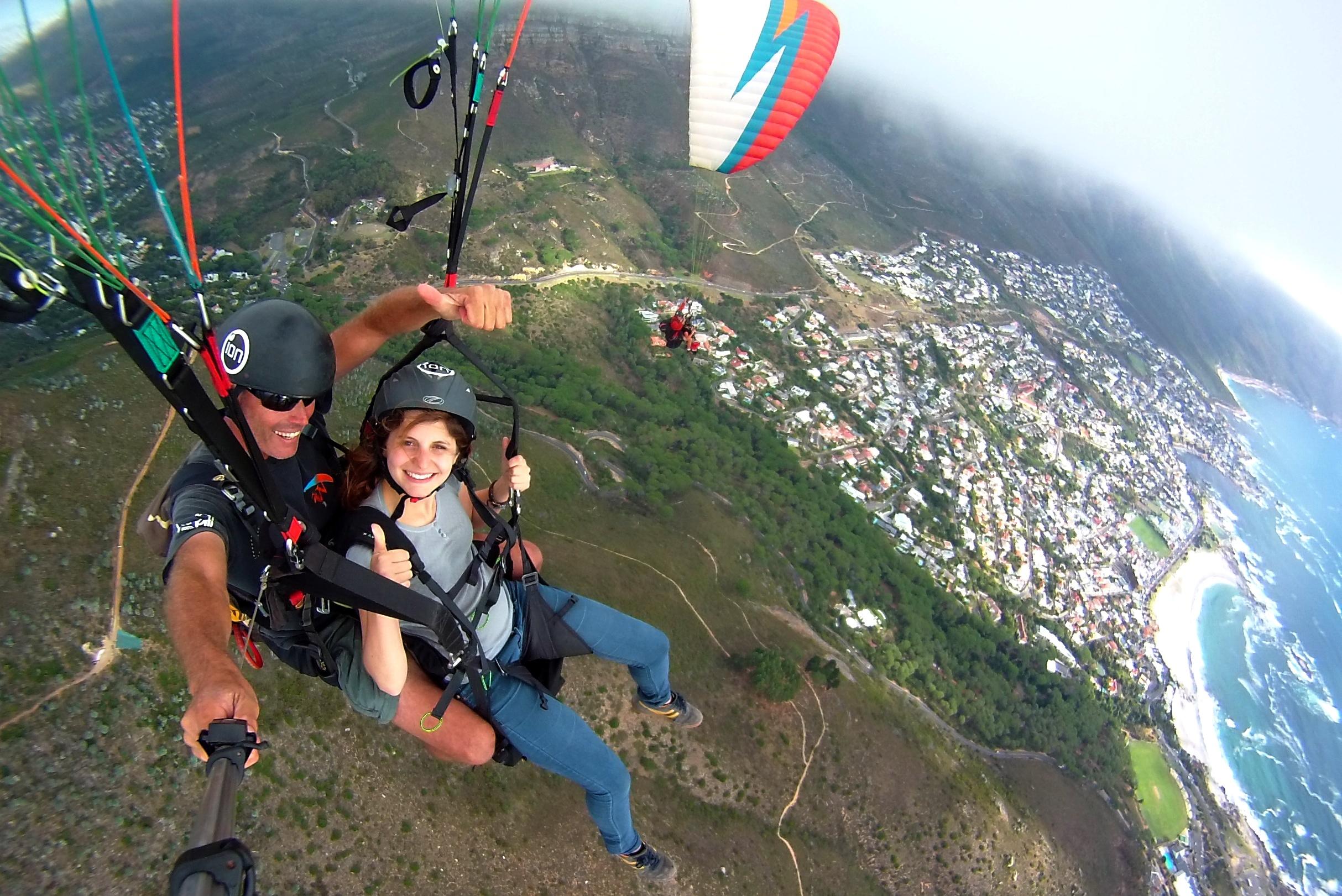 Paragliding Lion's Head (1)