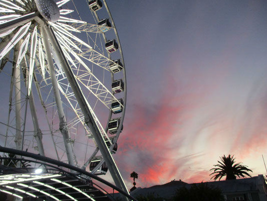 Cape Town has a lot of attractions for EC Cape Town students to explore.