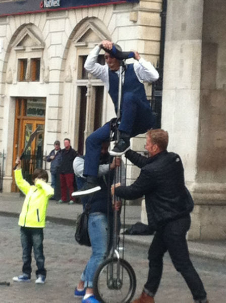 One of the students from school of English EC London assisted the street performer