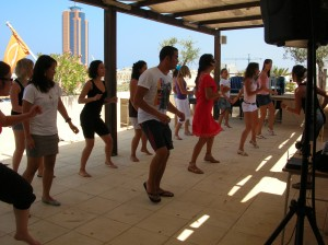 waka-waka-interactive-dance-class-003