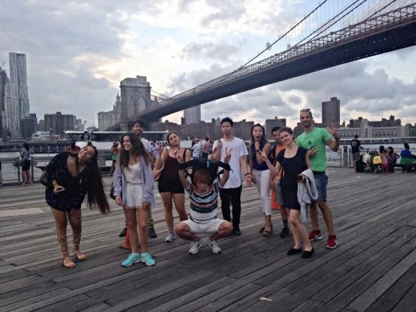 Student Ambassador Ivanna with EC NY students at Brooklyn Bridge Park