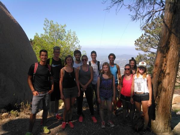 EC San Diego's CAE Class takes a Hike!