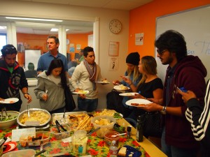 EC San Diego students try different dishes