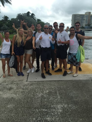 EC Miami students Learn English with the Miami Beach Police Department