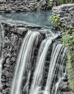 waterfall-166539_1920-r50