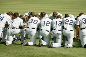 baseball-team-1529412_1920-r50