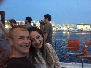couple learning English in Malta