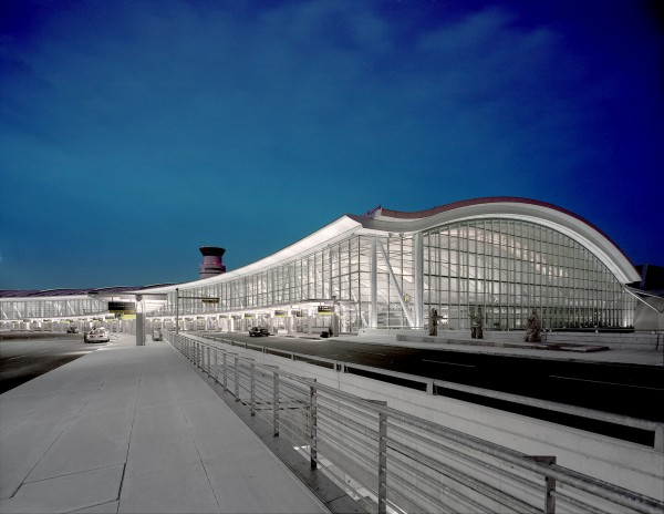 Toronto Pearson International Airport (CNW Group/Bell Media)