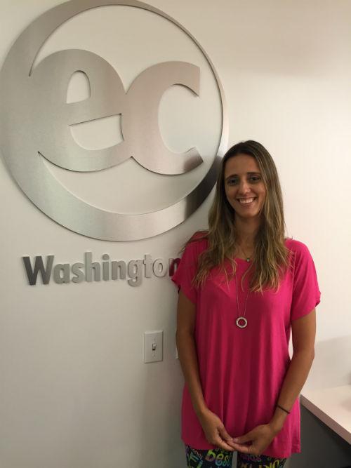 Karol Gomes Pinto studies at EC Washington English course