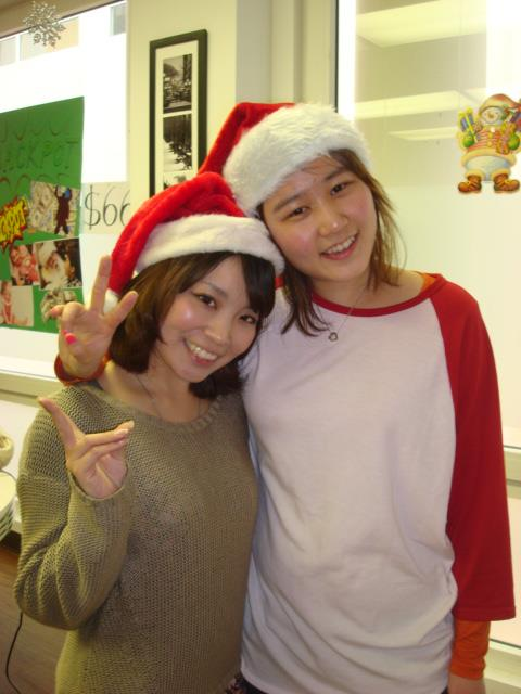 Eun-ji(right) with Yuna