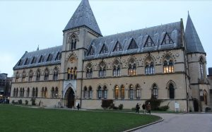 EC English Language School in Oxford is just a 10 minute walk from Christchurch College, here looking very Hogwartsy indeed!!
