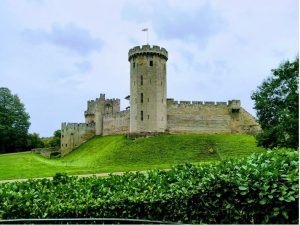 EC Oxford students on a UK Study Tours trip to Warwick Castle