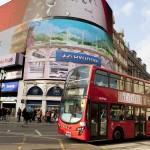 Studia l'inglese a Londra