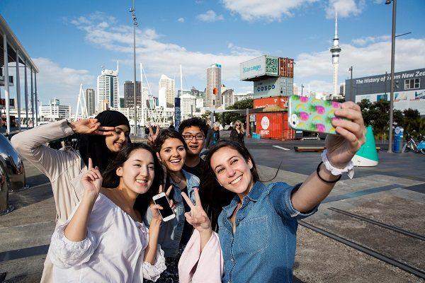 Selfie di gruppo a Auckland
