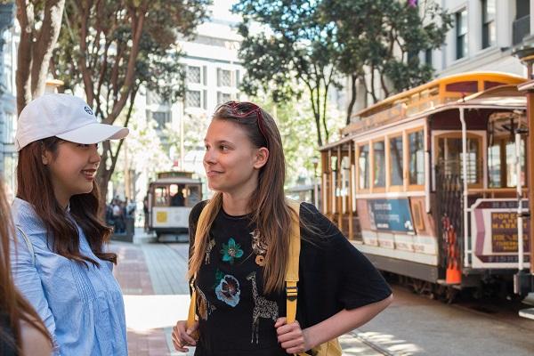 Visita San Francisco e parla inglese