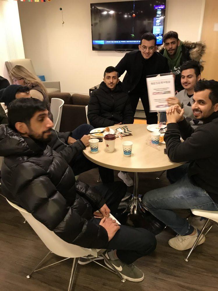 EC students enjoy food